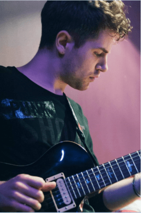 Guitar Tuition in London - London Guitar Teacher - Guitar Lesson London with Marco Cirillo. Electric, Acoustic and Classical Guitar Lesson with a Pro Guitar Tutor in London.