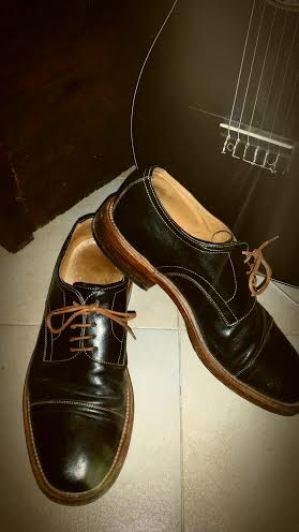 Le mie scarpe fatte interamente da Stefano Minetti (hanno due anni e vi assicuro che non le tratto bene per niente ma guardate che belle che sono)