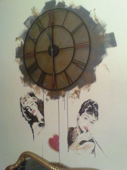 orologio sul muro. Acrilico su parete con orologio perfettamente funzionante - Marco Costarelli
