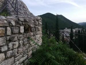 Le mura e il paese...