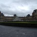 Il Louvre dalla strada