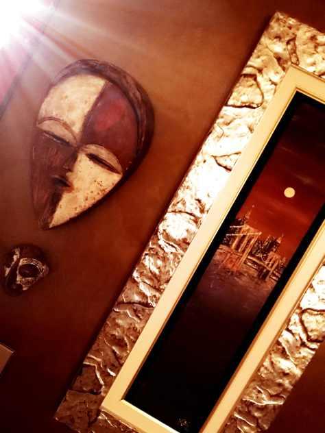 Melting Pot e identità: le differenze non stanno bene solo nella parete del salone.