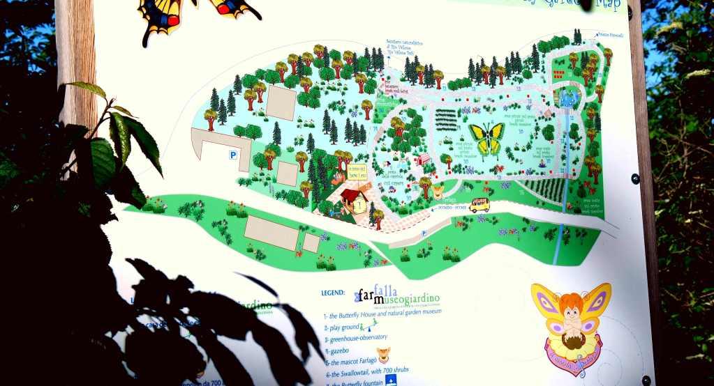 """Il cartello con la Mappa del """"Giardino"""" all'ingresso."""