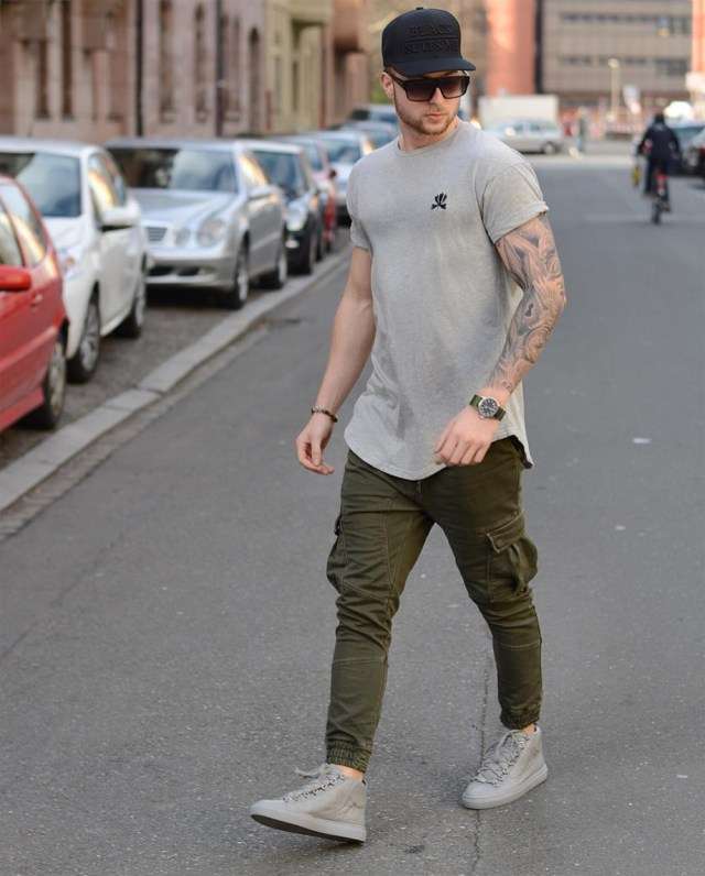 camiseta longline cinza