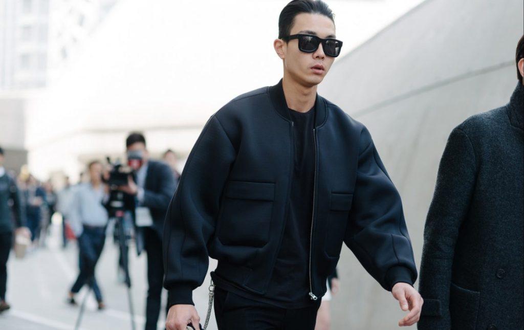 Jaqueta Bomber masculina minimalista