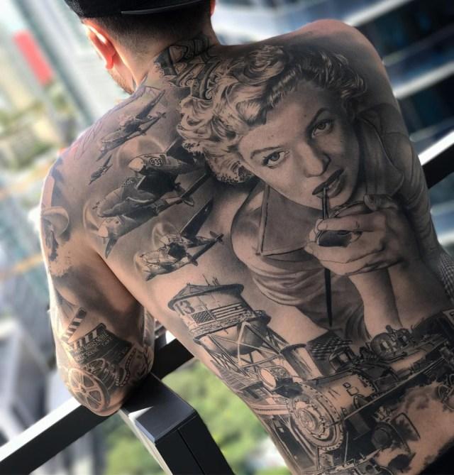 Tatuagem realista da Marilyn Monroe nas costas