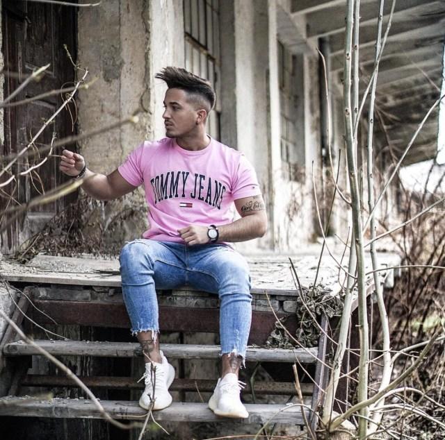 Camiseta masculina da Tommy Hilfiger rosa