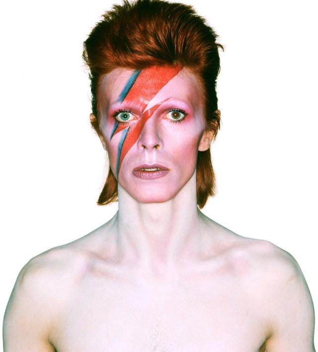 David Bowie com o raio no rosto