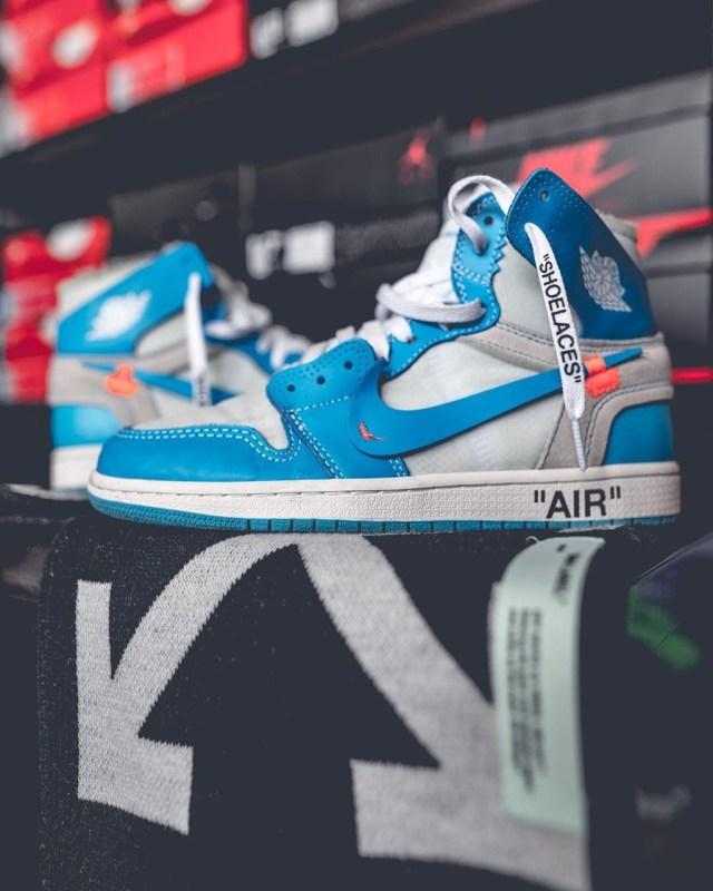 Tênis Nike Air Jordan I Off White