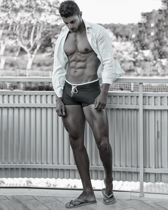 Moda masculina de praia: sunga retrô