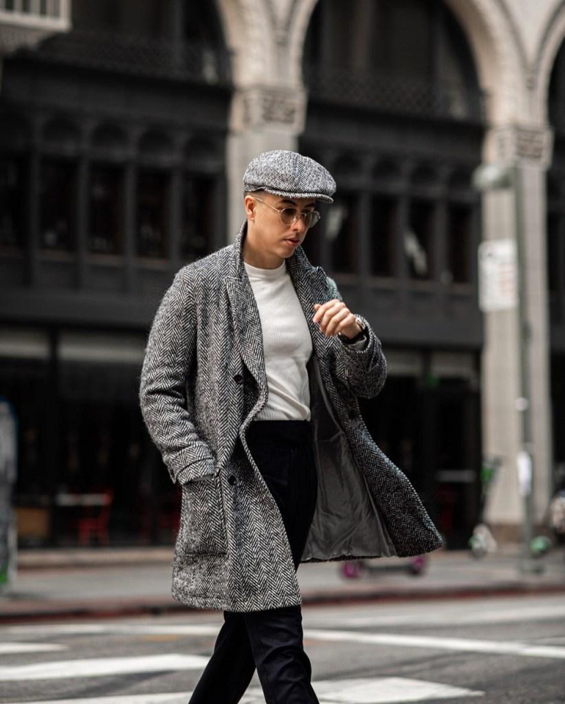 Look masculino com boina cinza