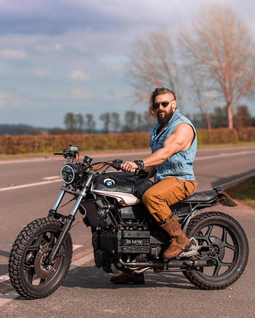 Estilo masculino: motocicleta da BMW