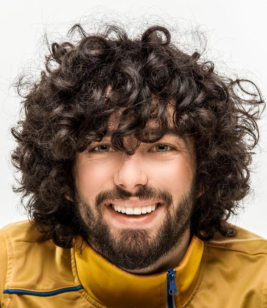 Penteado para homens: cabelo cacheado