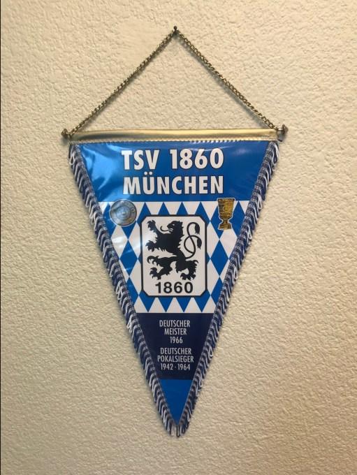 Banderín-TSV-1860-München.jpg