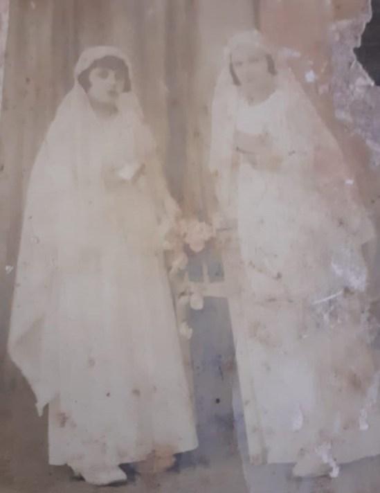 Pastora y Asunta en su primera comunión