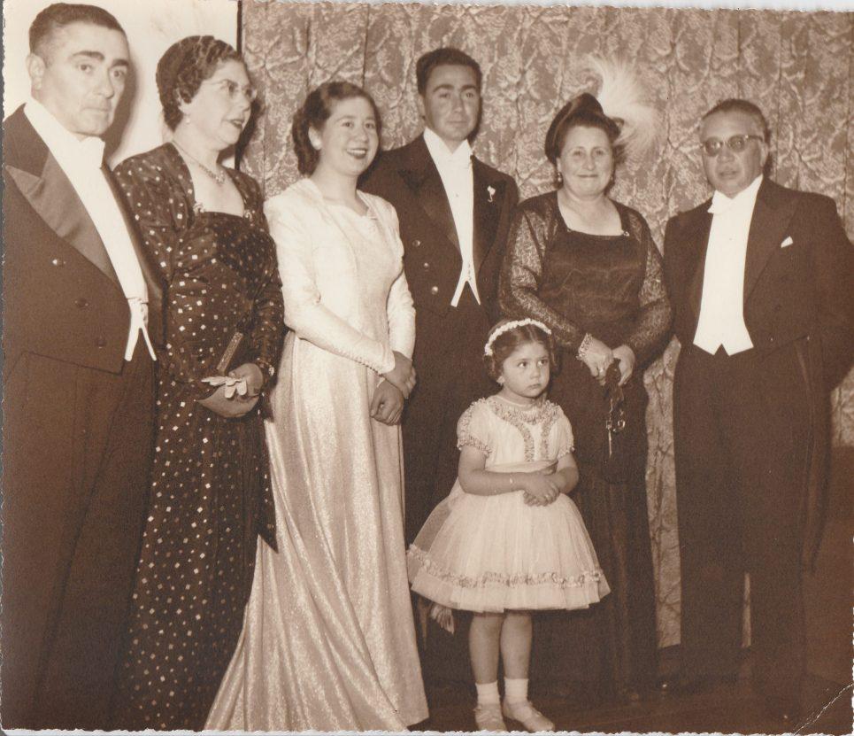 31 de Oct 1951 matrimonio de mis papas abuelo Rafael y abuela Rosa con mis abuelos maternos Federico y Lola Salmon y mi tia Marilu