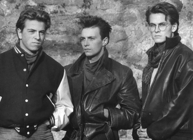 Damals, vor fast 30 Jahren… Teil 2   Die Gang unterwegs auf der Amoeneburg, Herbst 1985: Andreas, Stefan und Marcos (v.l.n.r.). Aufgenommen mit dem Selbstauslöser meiner Spiegelreflex-Kamera von Praktika und einem Tele-Objektiv. © Marcos López