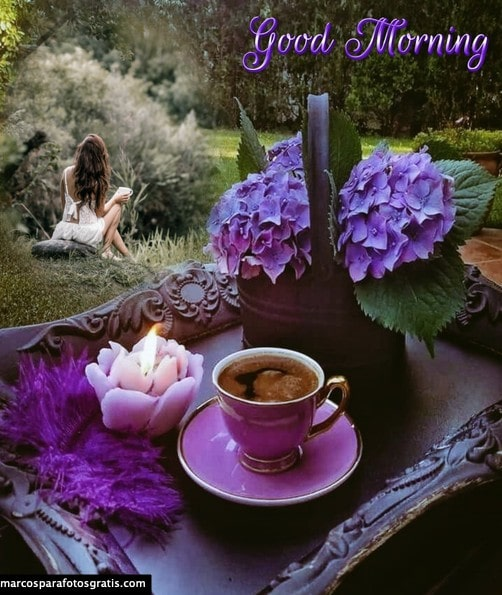 Marco buenos días y tazas de café