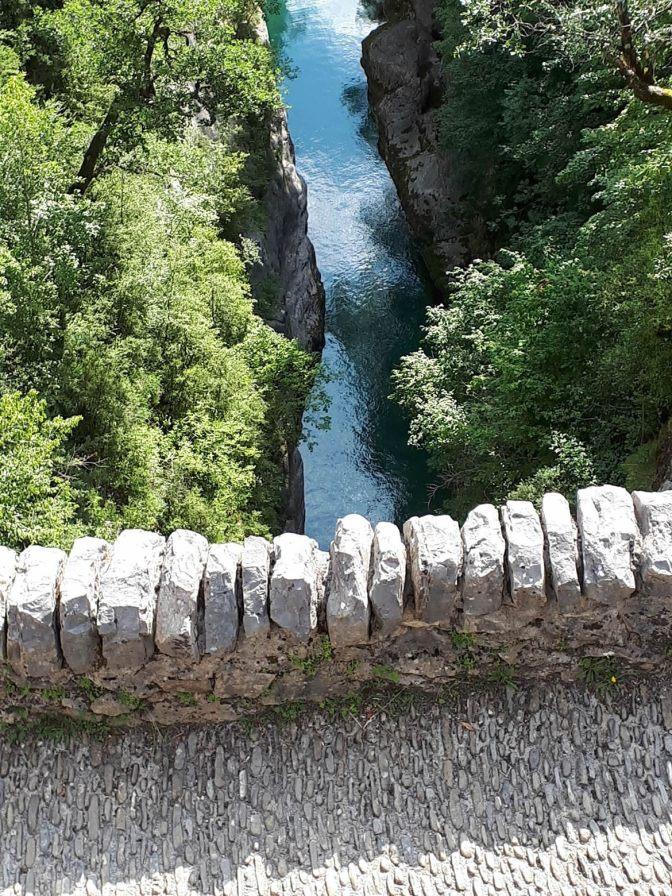 Puente_de_San_Urbez_sobre_el_rio_Bellós