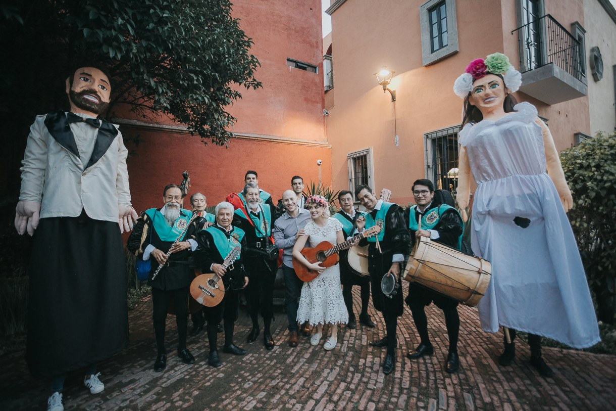 callejoneada in San Miguel de Allende Katie&Jordan wedding photographer