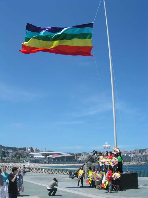 Bandeira multicor na Coruña