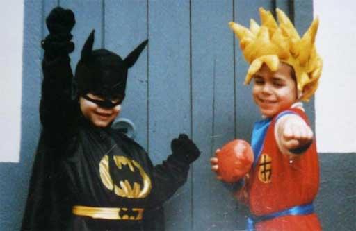 Batman e Son Goku vistos en http://cincorosasshop.blogspot.com.es/2012/02/un-poco-de-todo.html