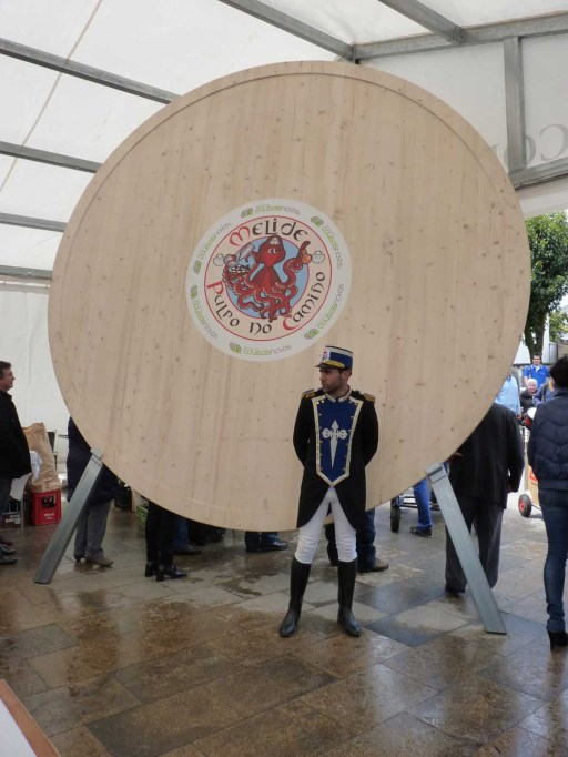 prato de 3,7 metros de diámetro