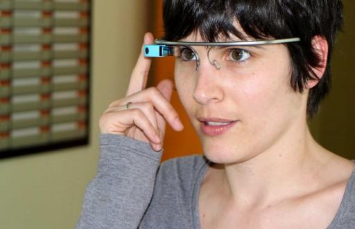 moza probando Google Glass