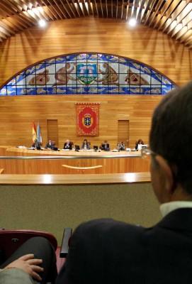 a directiva da Asociación PuntoGal no Parlamento de Galicia