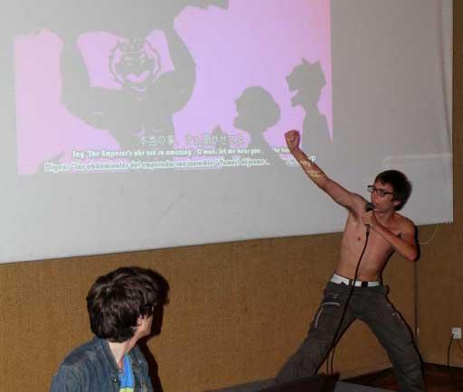 karaoke musculoso