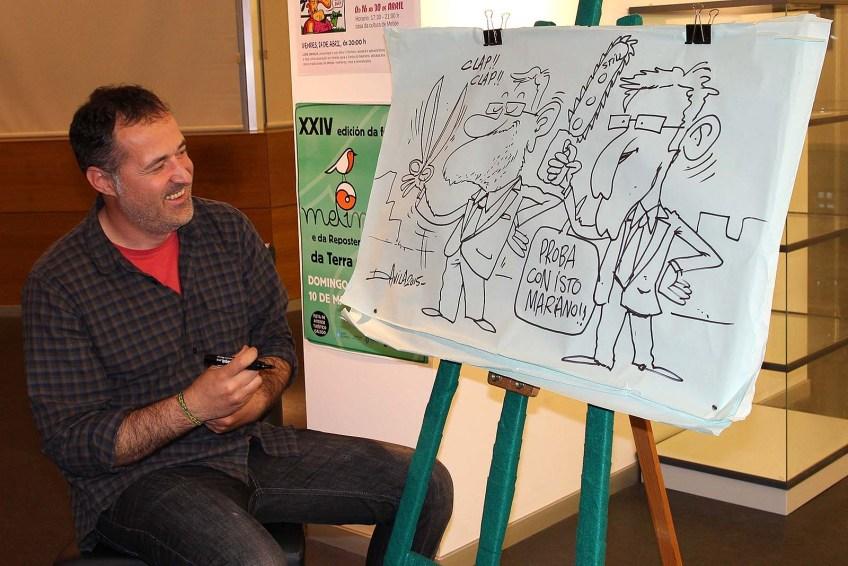 Luís Davila facendo humor cos recortes