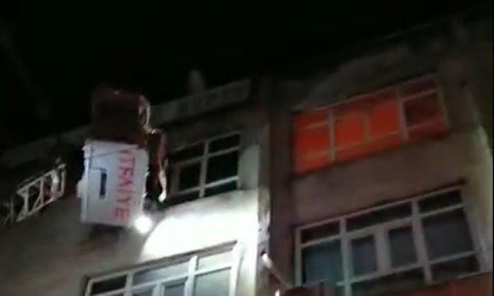 Mardin'de iş hanındaki yangın büyümeden söndürüldü