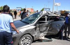 Nusaybin'de trafik kazası: 2 yaralı