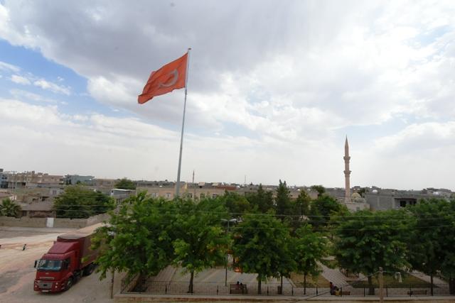 Ortaköy'e Dev  Türk Bayrağı