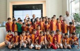 Nusaybin'de açılacak kız basketbol ve voleybol okullarına destek sözü