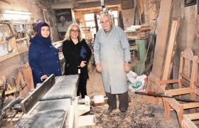 Ak Partili Hakimoğlu esnafa Partisinin hizmetlerini anlatıyor