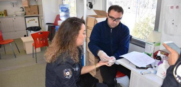 Polis'ten Kan Bağışı