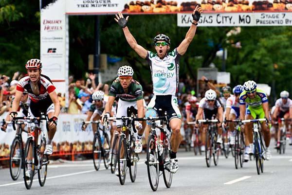 Martin Gilbert a devancé Andrew Pinfold et Thor Hushovd au sprint de la 7e étape du Tour du Missouri. (Jon Devich / Cyclingnews)