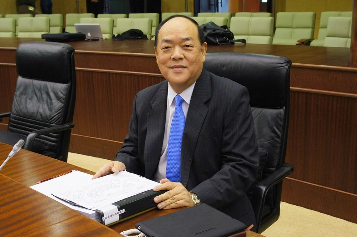 Macau's Top Legislator Reveals Beijing Spies On Gamblers