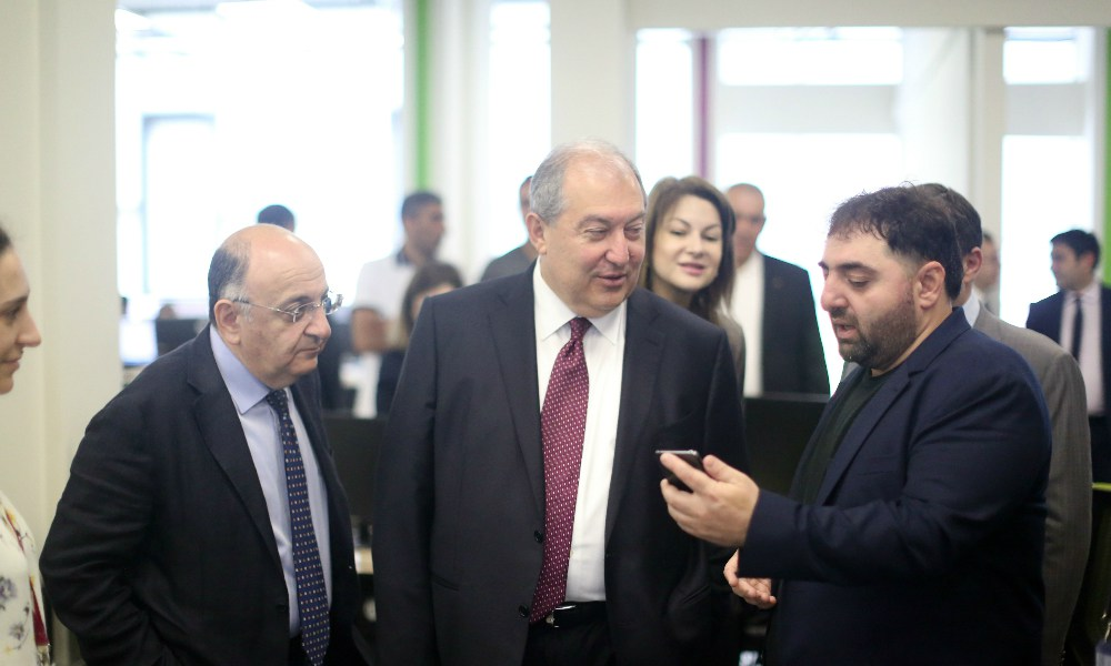 The President of Armenia visits SoftConstruct development office