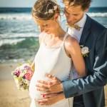 Mariage Réunion Ma Régisseuse wedding planner bouquet enceinte plage