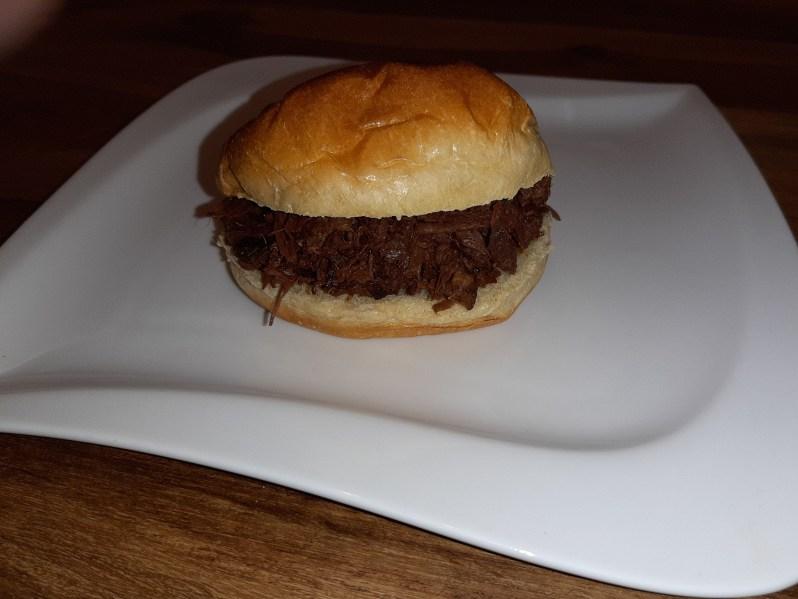Pulled BBQ jackfruit burger recipe