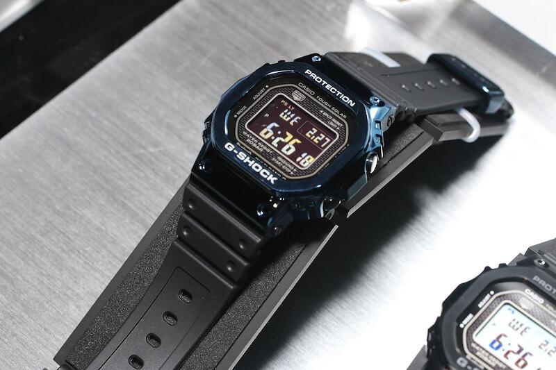 GMW-B5000G-1 y GMW-B5000G-2: negro, azul IP y banda de resina