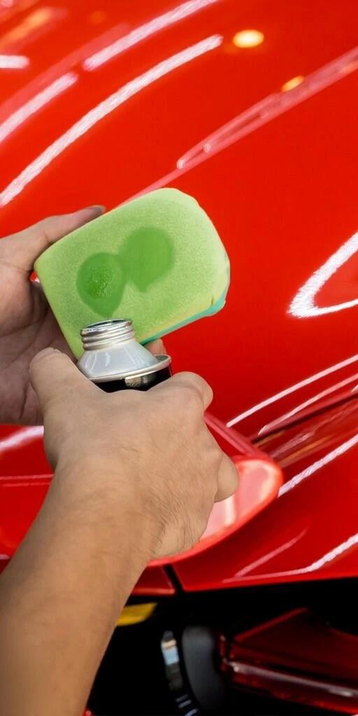 Removedor de fillers y grasas de pulimento para tratamiento cerámico en pintura