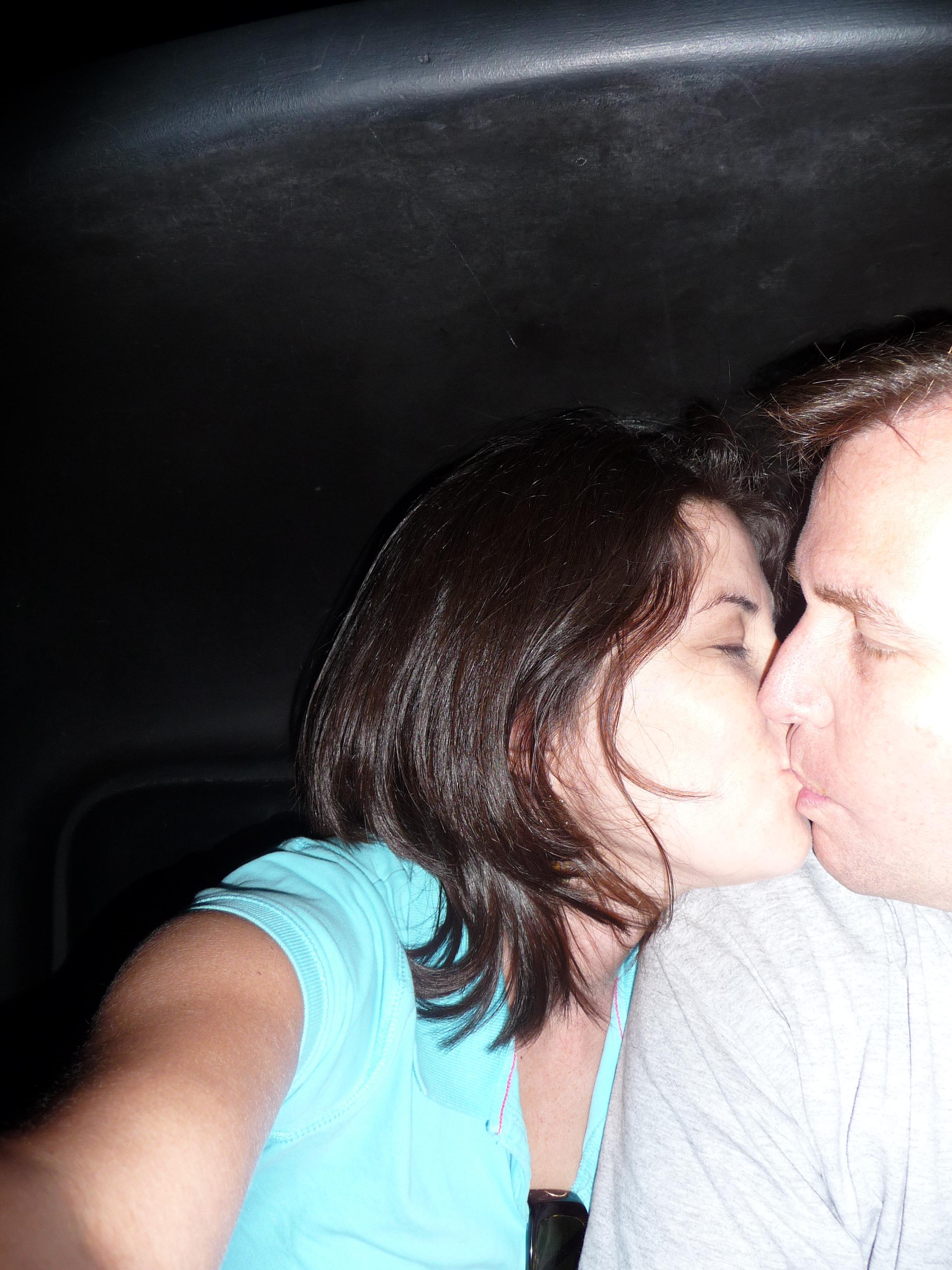 gratuitous kissing pic