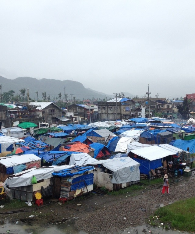 Aftermath Typhoon Haiyan Large