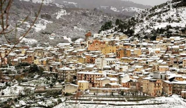 Snow in Collesano by Cinzia Cirri https://www.instagram.com/cinziacirri/