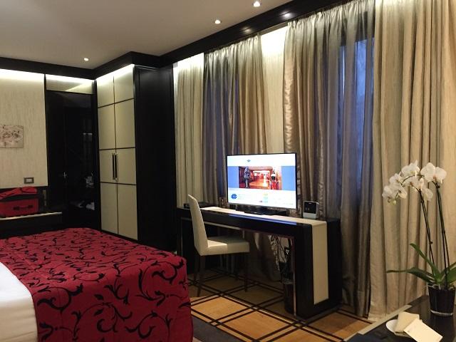baglioni-hotel-carlton photo by Margie Miklas