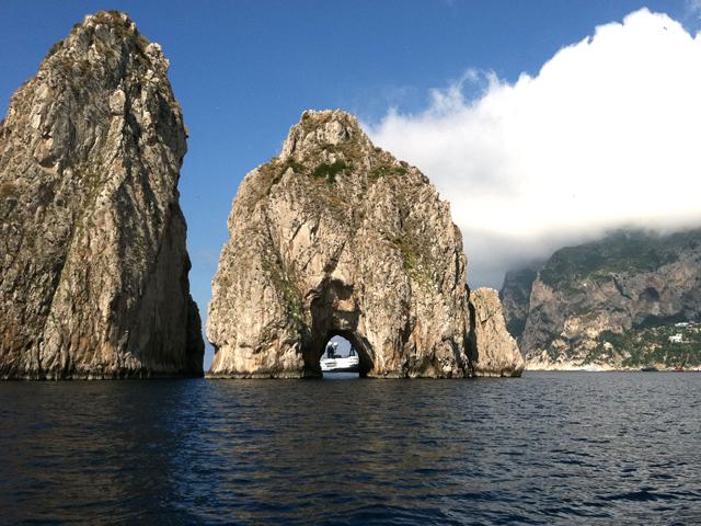 faraglioni-rocks-capri