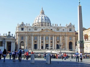 Vatican-Piazza-San-Pietro